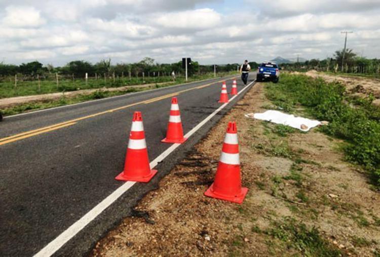 A polícia investiga se o homem foi atropelado por um condutor que fugiu sem prestar socorro - Foto: Reprodução | Calila Noticias