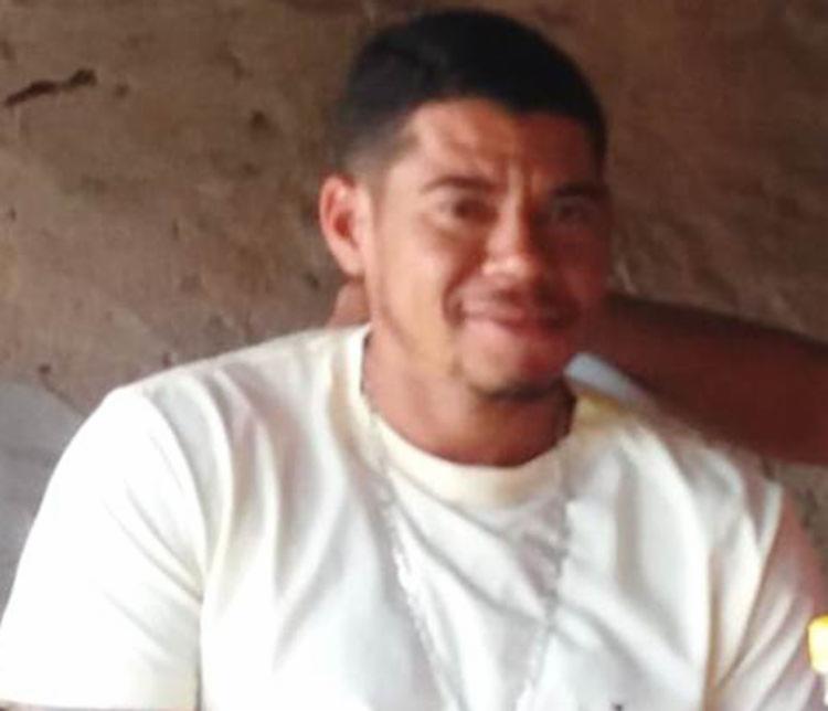 Ailton Cerqueira Ramos foi alvejado três vezes após deixar o estabelecimento comercial - Foto: Reprodução | site Calila Noticias