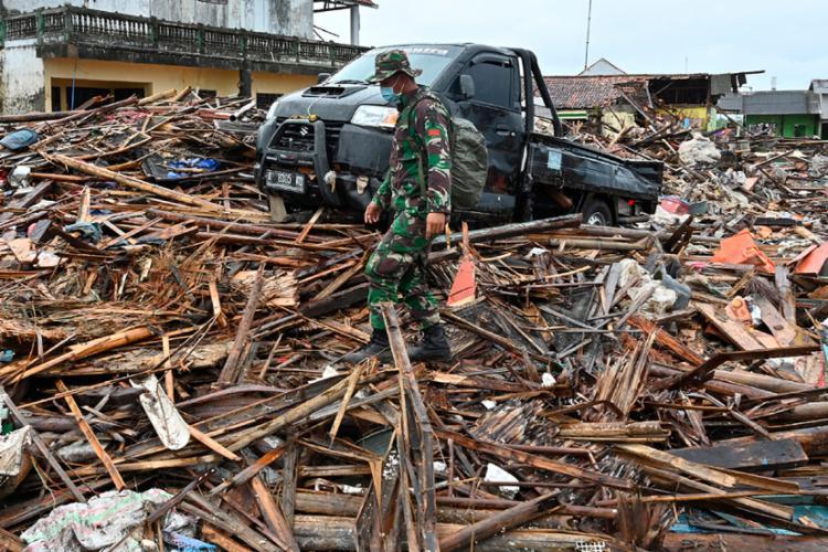 Autoridades locais alertaram que mais corpos devem ser encontrados em novas áreas - Foto: Adek Berry | AFP