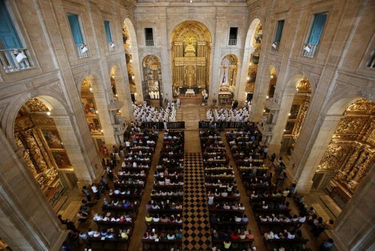 Catedral Basílica foi reaberta após três anos e oito meses em reforma - Foto: Raul Spinassé | Ag. A TARDE