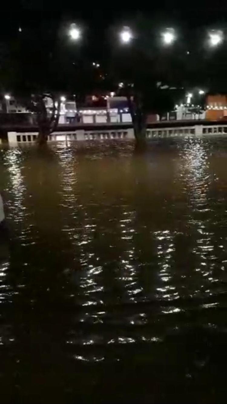 Em Jacobina, o nível do rio subiu - Foto: Cidadão Repórter | Via WhatsApp