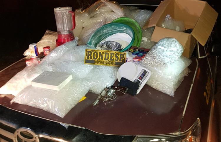 Cerca de mil pinos de cocaína que seriam comercializados nas festas de reveillon foram apreendidos - Foto: Divulgação | SSP