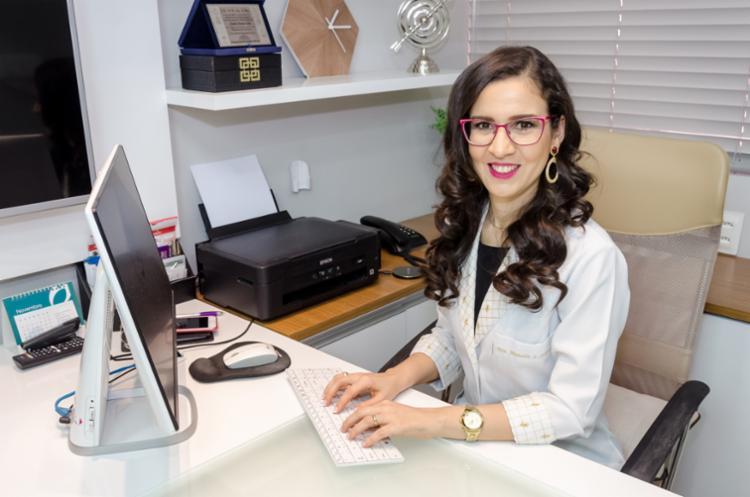 Dra. Manoela Oliveira de Souza