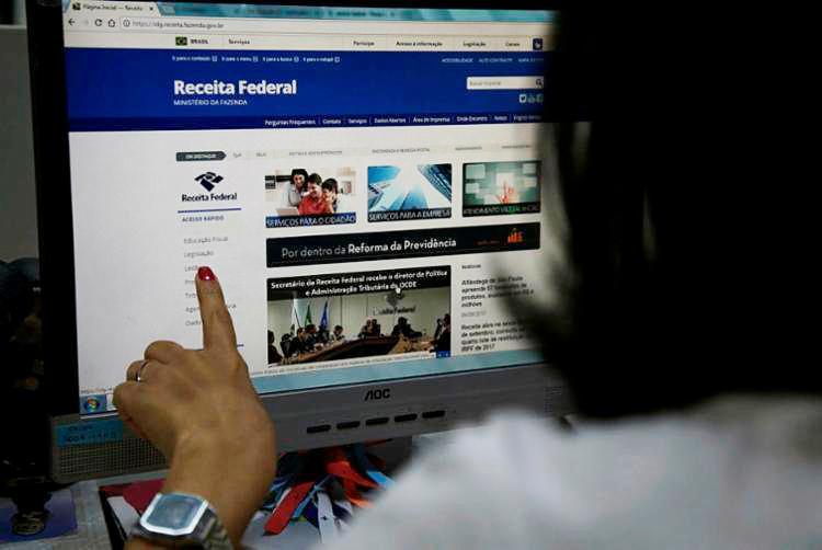 Consulta à restituição pode ser feita no site da Receita Federal - Foto: Joá Souza | Ag. A TARDE