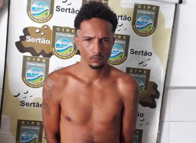 'Fernandinho' chamou atenção dos policiais quando tentou se esconder em residência - Foto: Divulgação | SSP BA