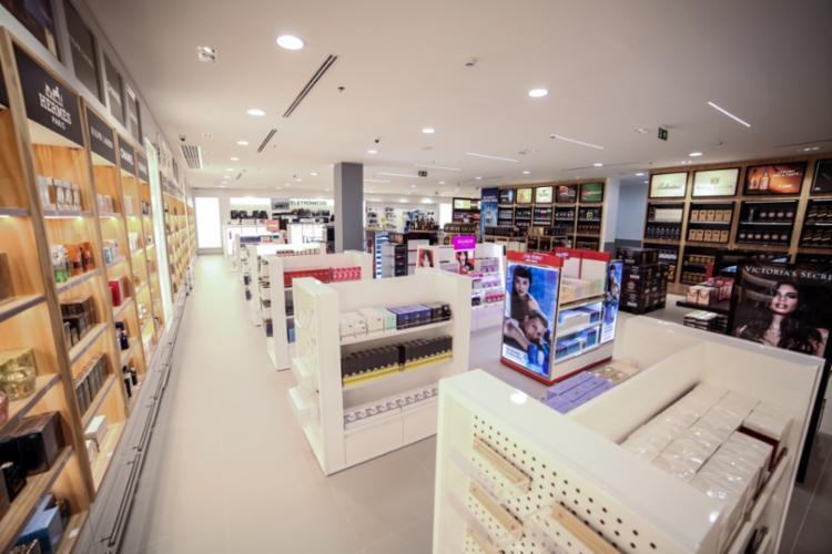 Loja oferece produtos de marcas internacionais como Carolina Herrera, Dior e Chanel - Foto: Divulgação