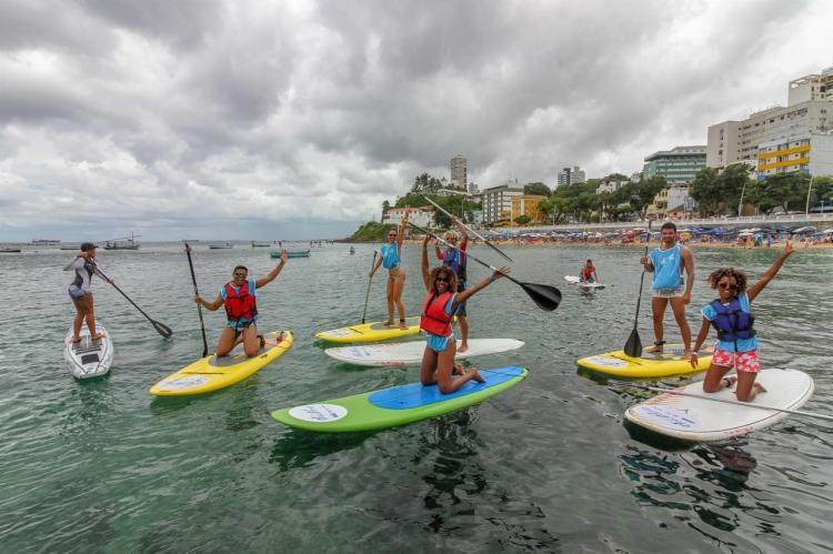 Stand up paddle está entre as atividades ofertadas - Foto: Divulgação