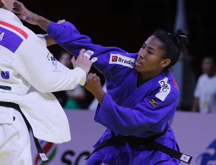 Ketleyn Quadros se tornou a primeira mulher a ganhar uma medalha olímpica para o Brasil em esportes individuais - Foto: Divulgação