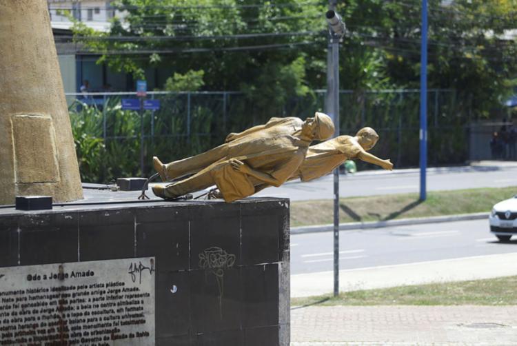 Monumento Ode a Jorge Amado é alvo constante de vandalismo - Foto: Joá Souza | Ag. A TARDE