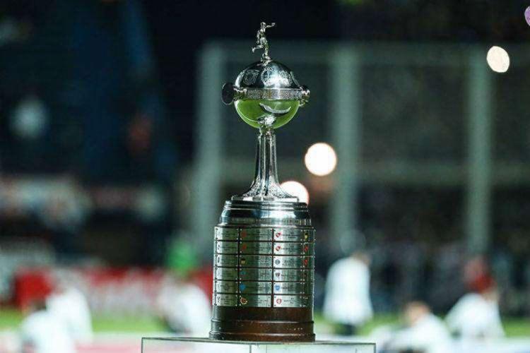 Na partida de ida, em La Bombonera, estádio do Boca Juniors, as equipes empataram por 2 a 2, no dia 11 de novembro - Foto: AFP