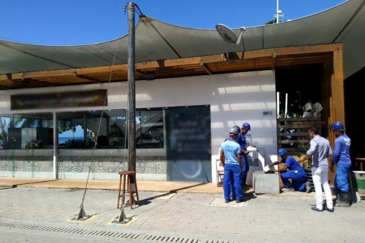O flagrante aconteceu na quarta-feira, 19, durante mais uma operação de combate a fraudes no consumo de água - Foto: Divulgação l Embasa
