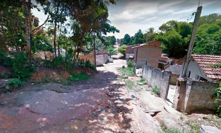 Crime foi cometido na rua Dom Pedro I, na noite desta quinta - Foto: Reprodução   Google