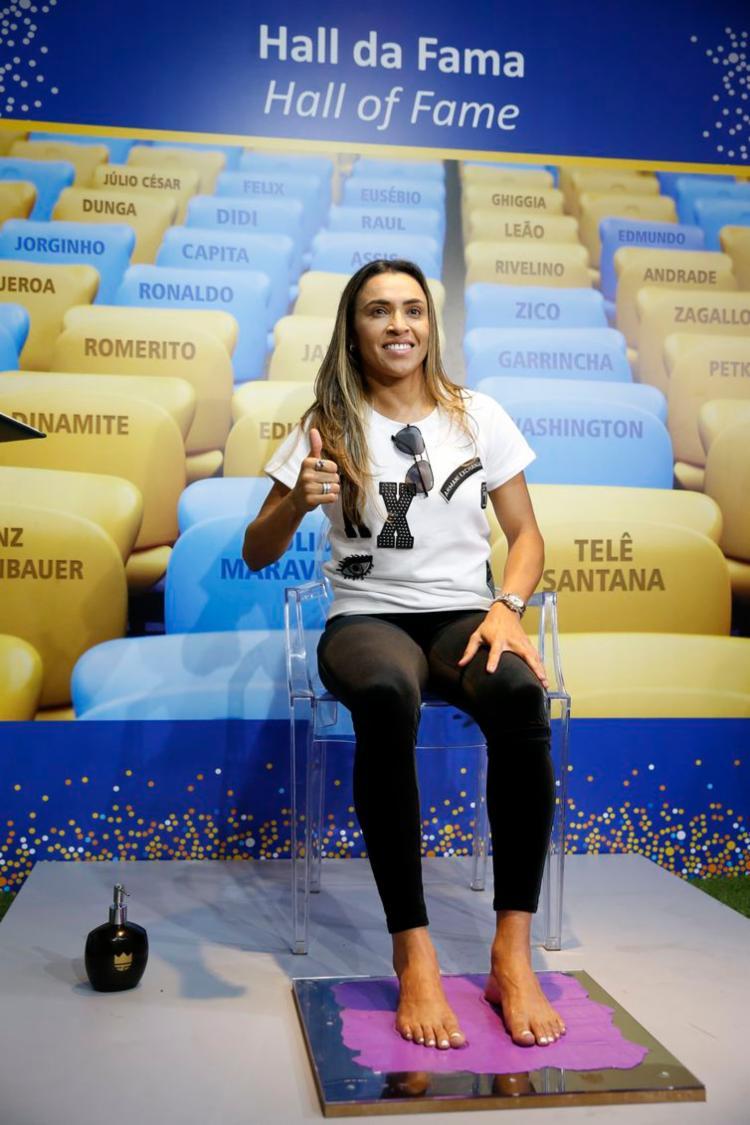 Jogadora pediu apoio ao esporte após deixar marca dos pés no local - Foto: Fernando Frazão l Agência Brasil