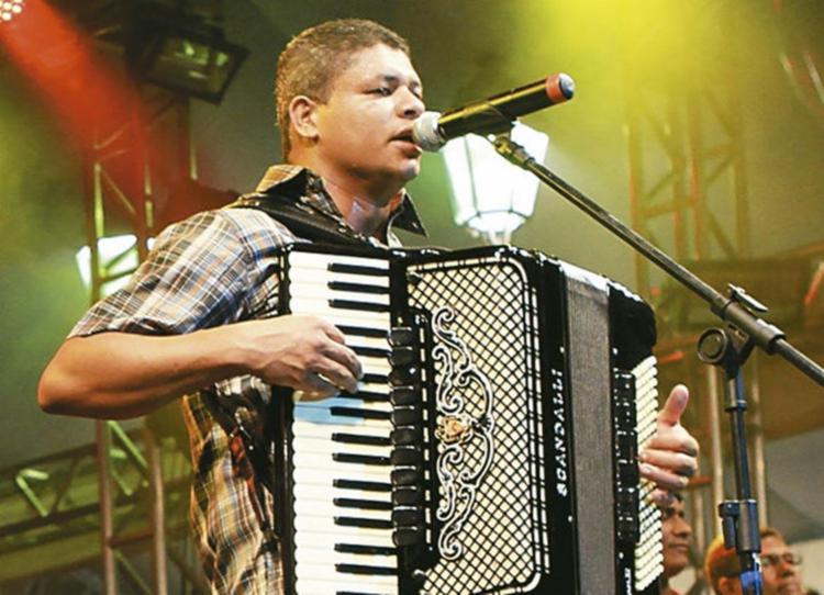 O sanfoneiro Cicinho de Assis faz show em tributo a Luiz Gonzaga no Largo Quincas Berro D'Água - Foto: Divulgação | Secult/BA