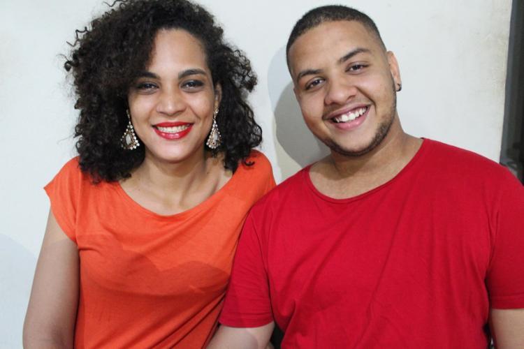 O casal Sellena Ramos e João Hugo Cerqueira criaram o Natal dos Incluídos para pessoas trans. Foto: Bernardo Costa | Divulgação
