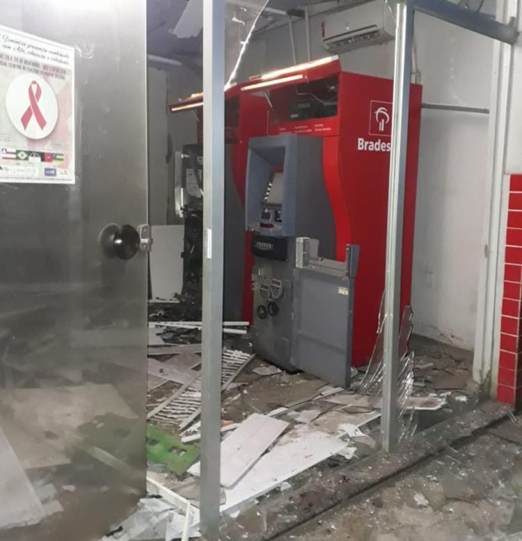 Banco não informou a quantia que foi levada pelos criminosos - Foto: Radar 64