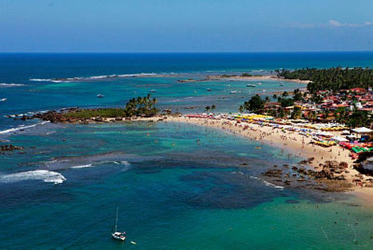 17 praias do litoral baiano também apresentam detritos que podem causar doenças - Foto: Rennan Calixto | Divulgação