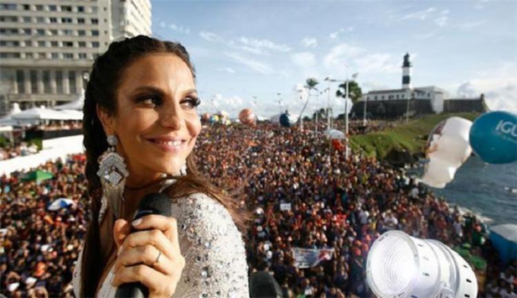 Depois do nascimento da gêmeas de Ivete Sangalo, a cantora voltou aos palcos em abril