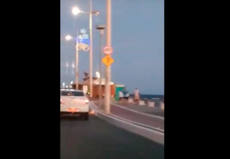 Imagens mostram nova sinalização e redutor de velocidade - Foto: Reprodução | Youtube