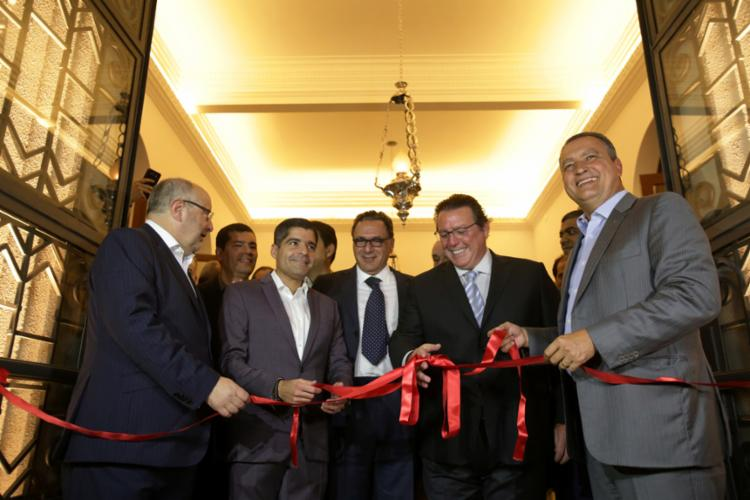 Governador e prefeito exaltaram potencial turístico de nova unidade hoteleira - Foto: Adilton Venegeroles l Ag. A TARDE