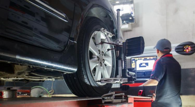 O alinhamento perfeito evita o desgaste desigual dos pneus - Foto: Divulgação