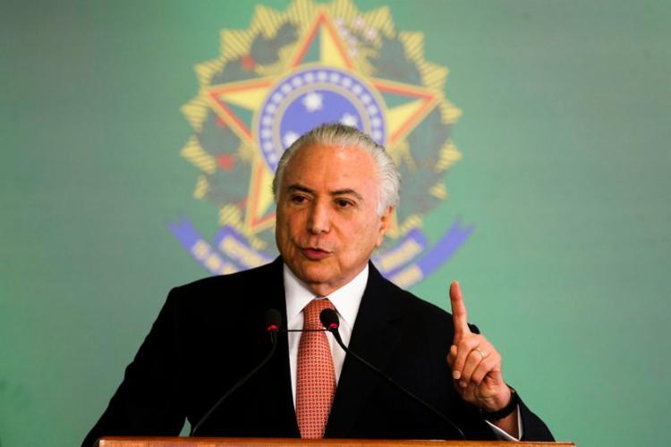 O presidente Temer assinou MP que acaba com limite de controle estrangeiro no setor - Foto: Antonio Cruz l Agência Brasil