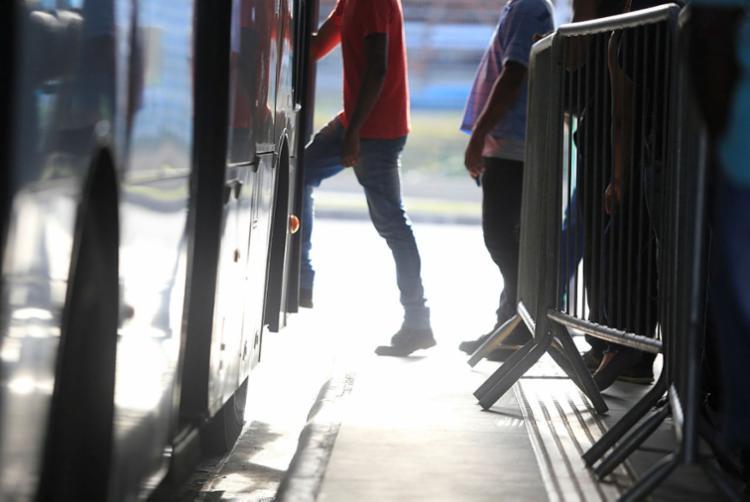 Haverá reforço de 22 linhas de ônibus que atendem ao Centro, entre 11h e 0h - Foto: Luciano Carcará | A TARDE