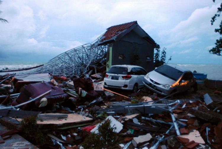 Autoridades aumentaram nível de advertência de vulcão - Foto: DASRIL ROSZANDI / AFP