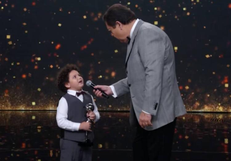 O menino de cinco anos de idade concorreu com Mel Maia, que interpretou Agnes em