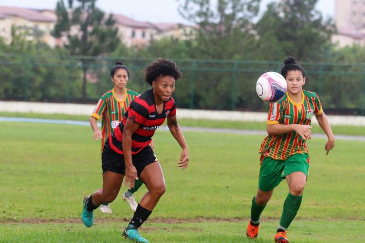 Leoas dominaram a partida, mas a pressão não resultou em gols contra a forte defesa do Lusaca - Foto: Maurícia da Matta l EC Vitória