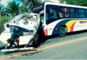 Lancha se solta de caminhonete e atinge ônibus na BR-101 | Foto: Reprodução | Site Radar64