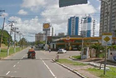 Quatro pessoas ficam feridas após carro colidir em muro na avenida Paralela | Reprodução | Google Maps