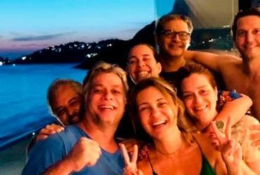 Fabio Assunção faz farra com atores globais   Divulgação