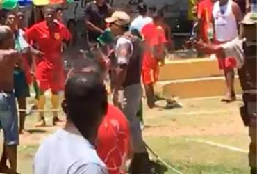 Três morrem em tumulto com PMs durante jogo de futebol em Lauro de Freitas
