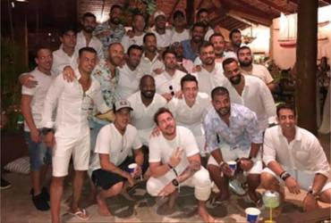 Neymar publica foto ao lado de 24 homens após críticas nas redes sociais | Reprodução | Instagram