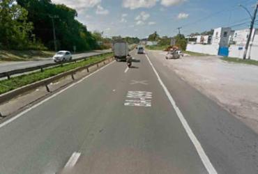 Moradores fecham parte da via na Estrada do Coco em protesto por demolição de imóveis | Reprodução | Google Maps