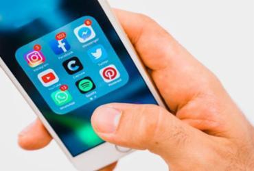 WhatsApp limita reenvios de mensagens a cinco usuários em todo o mundo | Divulgação | Freepik