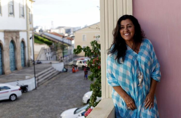 A atriz irá estrear em Salvador o espetáculo Recital da Onça - Foto: Adilton Venegeroles / Ag. A TARDE