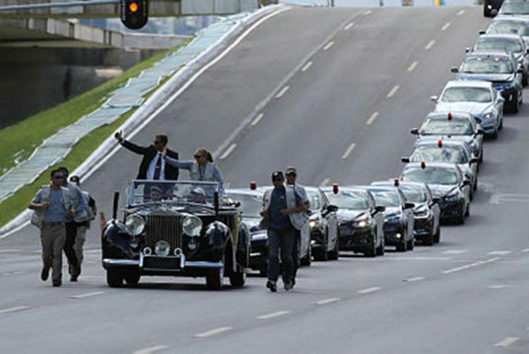 Por enquanto, há na Esplanada mais policiais do que pessoas interessadas em acompanhar a posse - Foto: Fábio Rodrigues Pozzebom   Reprodução   Agência Brasil