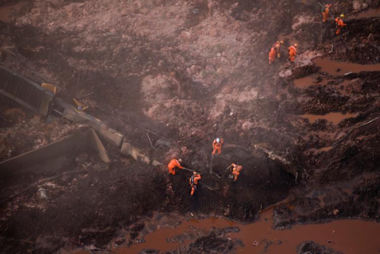 Existe uma discrepância na divulgação do número de mortos e desaparecidos feita pelo Governo de Minas - Foto: Douglas Magno | AFP