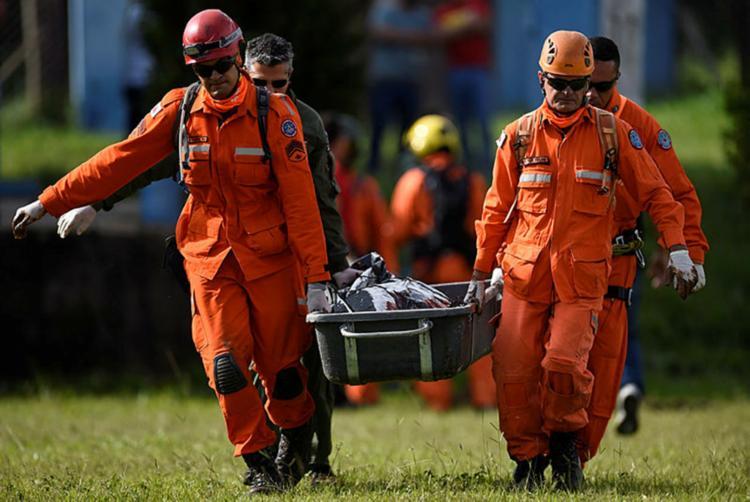 Entre os mortos, 31 vítimas foram identificadas - Foto: Douglas Magno | AFP