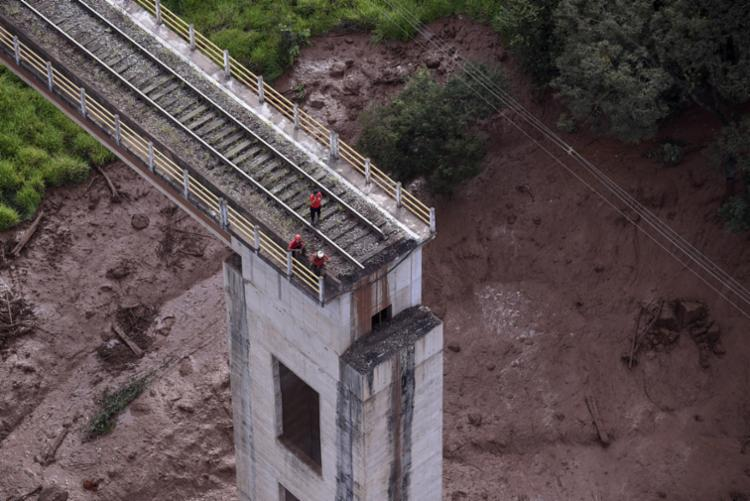 Relatos indicam que as sirenes de alerta da mina não funcionaram na hora do acidente - Foto: Douglas Magno   AFP