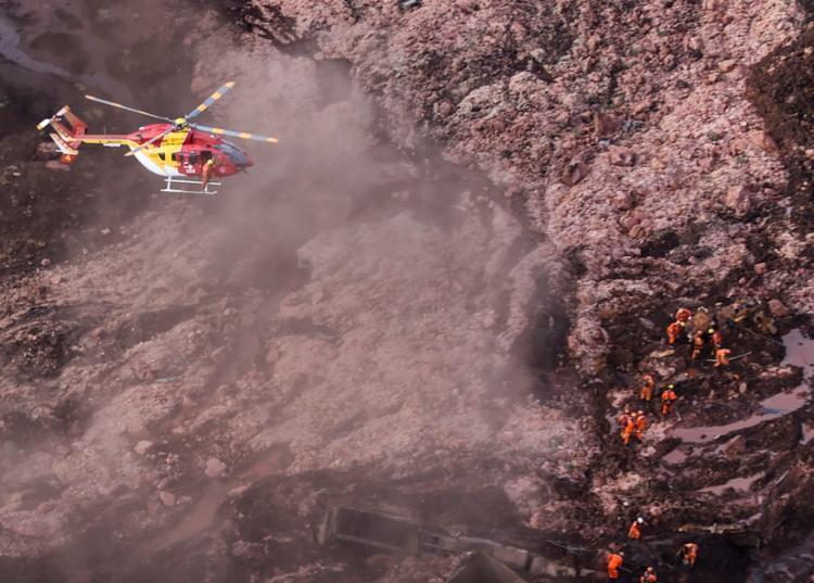 A Vale também informou há pouco que equipes da companhia trabalham desde a última sexta-feira - Foto: Douglas Magno | AFP