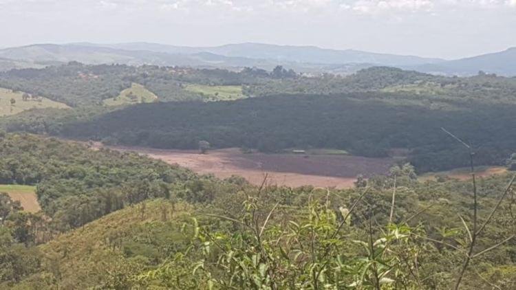 Comunicado da mineradora, parte da comunidade da Vila Ferteco também foi atingida - Foto: Corpo de Bombeiros