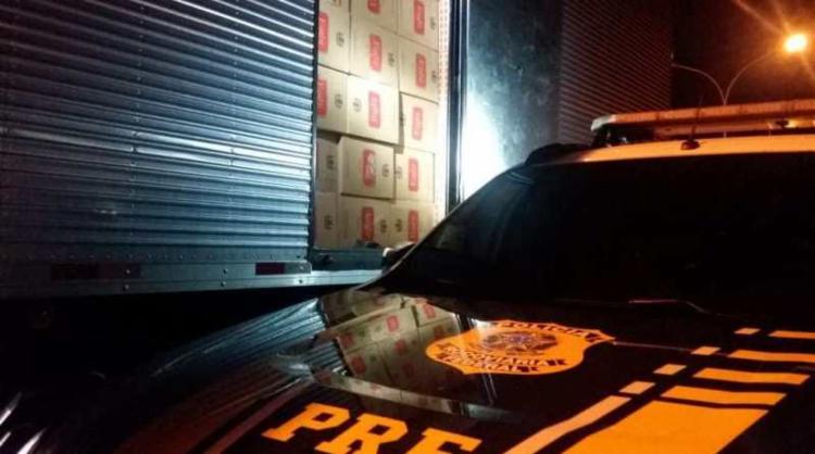 Veículo transportava cerca de 420 caixas de cigarros paraguaios - Foto: Divulgação | PRF-BA