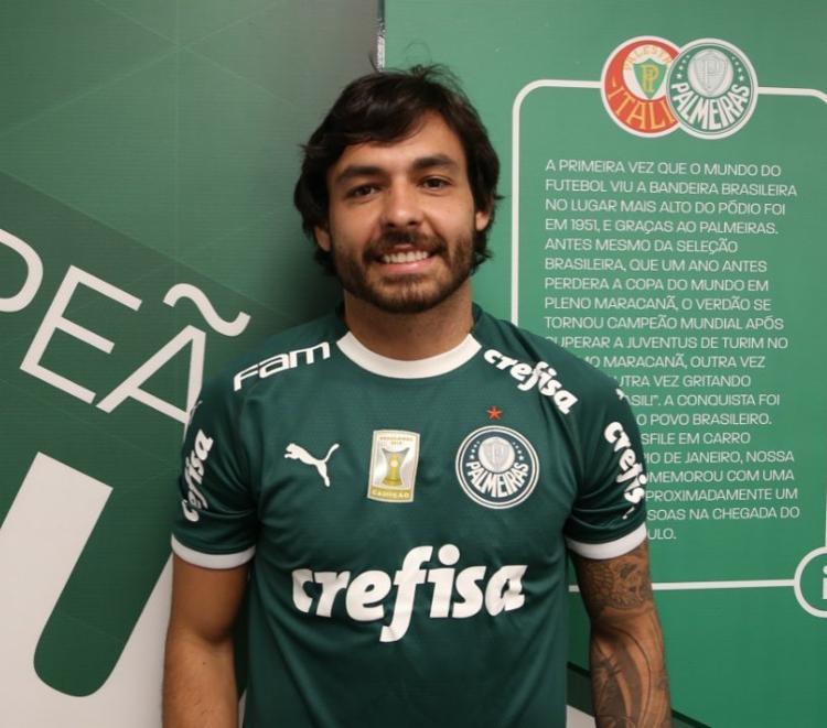 O Palmeiras, com Ricardo Goulart, vai ficar ainda mais forte nas jogadas aéreas, uma das virtudes do time - Foto: Reprodução   Instagram