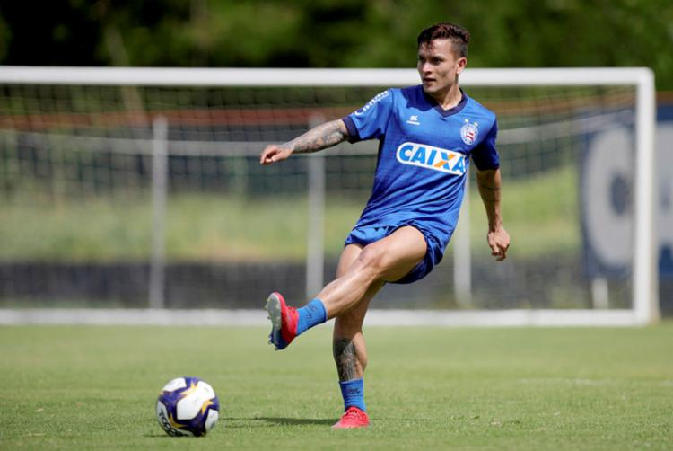 Mesmo sendo apenas um jogador de 'aluguel', considero que ter Artur como o novo Zé Rafael é um passo adiante, futebolisticamente - Foto: Felipe Oliveira | EC Bahia | Divulgação