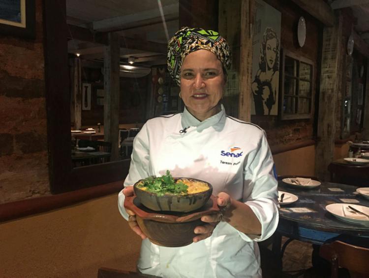 A convite do empresário e restaurateur Rogério Fasano, a queridíssima chef Tereza Paim leva o tempero poderoso da Casa de Tereza para o restaurante do Hotel Fasano, recém-inaugurado na Praça Castro Alves