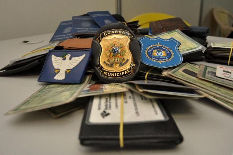 Dos 1.253 documentos encontrados durante os cinco dias de festa, apenas 363 foram devolvidos - Foto: GCM   Divulgação