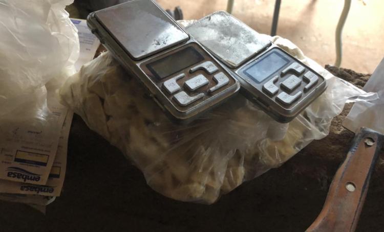 cerca de 1,5 kg de cocaína, meio quilo de crack foram apreendidos durante a megaoperação - Foto: Divulgação | SSP-BA